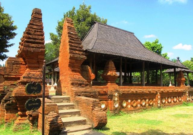 Tempat Wisata Cirebon - Keraton Kasepuhan
