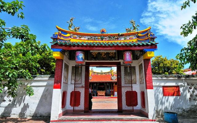 Tempat Wisata Cirebon - Vihara Dan Klenteng-Klenteng