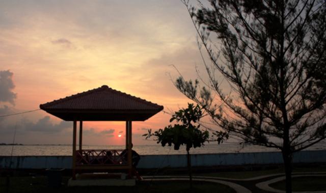 Tempat Wisata Pekalongan - Pantai Pasir Kencana