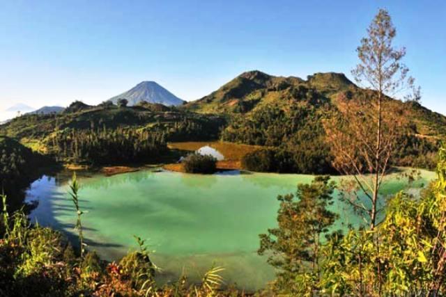 Tempat Wisata Puncak Bogor - Telaga Warna