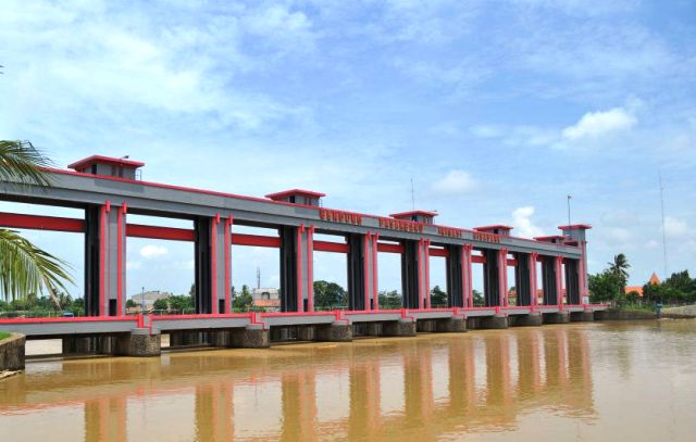 Wisata Tangerang - Bendungan Pintu Air Sepuluh