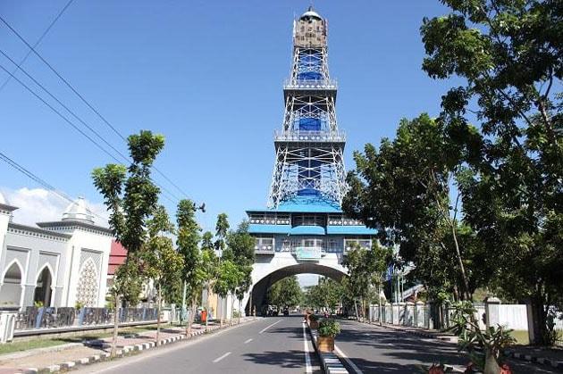 Tempat Wisata di Gorontalo - Menara Pakaya