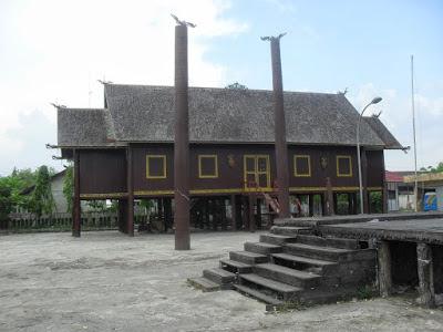 Rumah adat Bentang -Tempat wisata di Palangkaraya