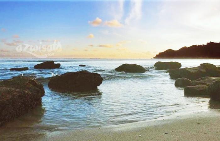 Pantai Kali Uluh - Tempat Wisata Pantai di Pacitan