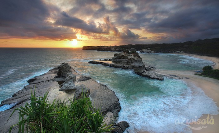 Pantai Klayar - Tempat Wisata Pantai di Pacitan