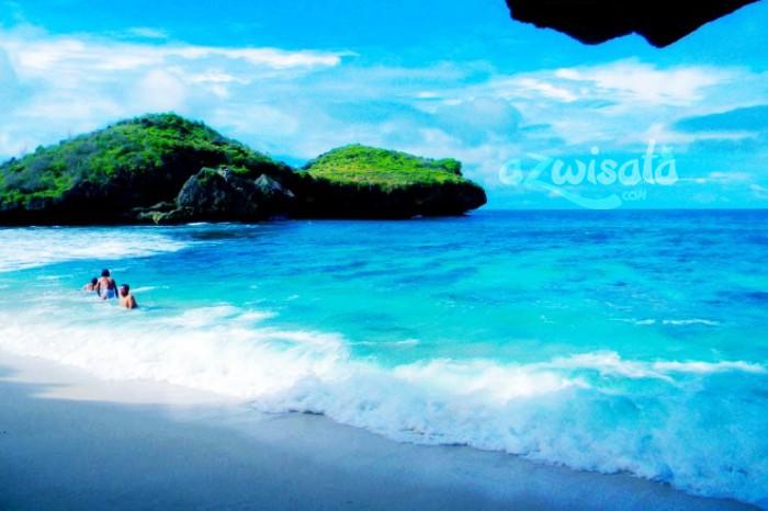 Pantai Srau - Tempat Wisata Pantai di Pacitan