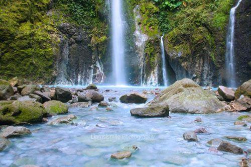 https://www.azwisata.com/wp-content/uploads/2018/07/Tempat-Wisata-di-Sumatera-Utara-Air-Terjun-Telaga-Dwi-Warna-Sibolangit.jpg