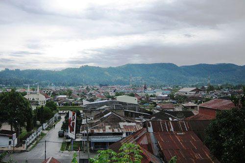 https://www.azwisata.com/wp-content/uploads/2018/07/Tempat-Wisata-di-Sumatera-Utara-Kota-Tarutung.jpg