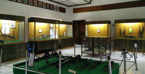 https://www.azwisata.com/wp-content/uploads/2018/07/Tempat-Wisata-di-Sumatera-Utara-Museum-Perjuangan-TNI.jpg