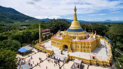 https://www.azwisata.com/wp-content/uploads/2018/07/Tempat-Wisata-di-Sumatera-Utara-Pagoda-Taman-Alam-Lumbini.jpg