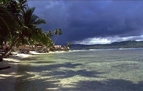 https://www.azwisata.com/wp-content/uploads/2018/07/Tempat-Wisata-di-Sumatera-Utara-Pantai-Lagundri.jpg