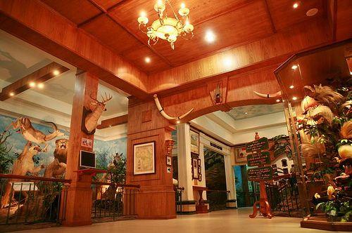 https://www.azwisata.com/wp-content/uploads/2018/07/Tempat-Wisata-di-Sumatera-Utara-Rahmat-International-Wildlife-Museum-and-Gallery.jpg